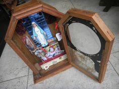 Retablo virgen de la Medalla Milagrosa en antiguo estuche de Reloj by graciela misasi