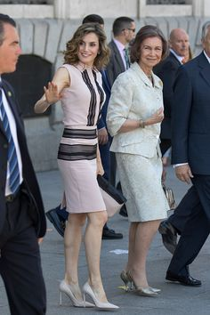 Queen Letizia of Spain (L) pays tribute to Queen Sofia for her work at Help For Drug Addiction Foundation (FAD) on its 30th anniversary on June 22, 2016 in Madrid, Spain.