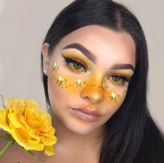 Face Paint Makeup, Eye Makeup Art, Edgy Makeup, Eyeshadow Makeup, Makeup Eyes, Bee Makeup, Crazy Makeup, Yellow Makeup, Colorful Eye Makeup
