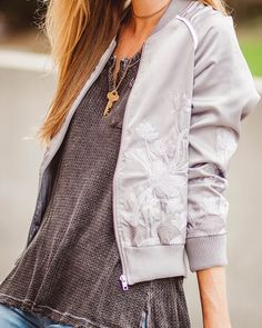 Grab your bomber jacket and head off for an adventure in the city! Shop this look and more of the latest trends at Lizard Thicket! www.shoplizardthicket.com