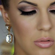 Naked 3 tutorial is uploading! Such pretty rose neutrals  @urbandecayofficial