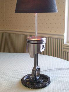 Chevrolet polished piston lamp on SBC timing sprocket