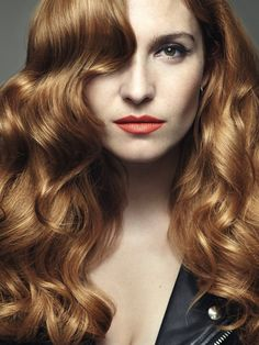 Try the hottest #ITLOOKS by #lorealpro #2015 #trend #copper #contouring #long #hair #wavy #Hollywood #waves