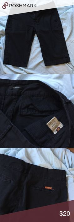 "7 For all Mankind black Bermuda shorts 30/31 For all Mankind black Bermuda shorts 30/31 (approx 17"" across waist, 8"" rise, 12"" inseam) re-posh too small for me 7 For All Mankind Shorts Bermudas"