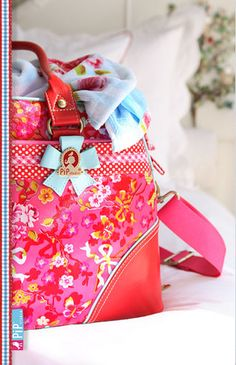 PIP Studio by decor8, via Flickr Pip Studio, Studio Green, Red Cottage, Types Of Bag, Best Bags, Girly, Beautiful Patterns, Hermes Kelly, Mitten Gloves