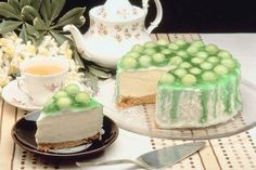 Victorian Tea Party | Planning to host a Victorian tea party for your friends and family ...