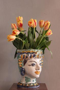 Decorative Items & Other - A very charming, early century signed Testa di moro, Sicilian vase. Head Planters, Pottery Designs, Moorish, Ceramic Vase, Vases Decor, Dream Garden, Decoration, French Antiques, Decorative Items