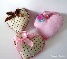 Chaveiros corações em feltro e tecido da Caseando Felicidade