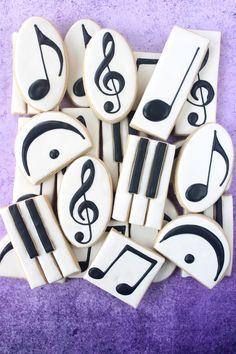 Music Symbol Decorated Cookie Collection — CookieCrazie - Miller is Home Fancy Cookies, Iced Cookies, Cut Out Cookies, Cute Cookies, Royal Icing Cookies, Cupcake Cookies, Sugar Cookies, Music Cookies, Music Themed Cakes