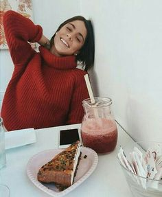Martina Stoessel (TINI)❤ Celebrity Outfits, Celebrity Couples, Celebrity News, Violetta And Leon, Luke Benward, Queen Pictures, I Am A Queen, Style Casual, Famous Girls