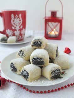 Aleda konyhája: Mákos aprósütemény Hungarian Cake, Hungarian Recipes, Baking Recipes, Cookie Recipes, Dessert Recipes, Sweet Desserts, Winter Food, Cake Cookies, Pavlova