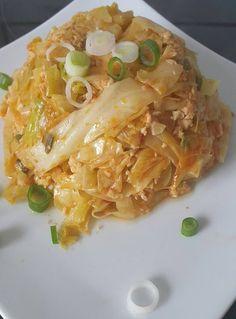 Heute gab es Gebratener Spitzkohl mit Ei. Dieses vegetarische indonesische Rezept ist für die strenge Phase der Stoffwechseldiät geeignet.