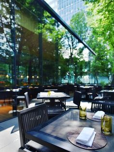 カフェのオープンテラス。 Outdoor Cafe, Outdoor Decor, Public Hotel, Hospitality Design, Cafe Design, Cafe Restaurant, Terrace, Patio, Architecture