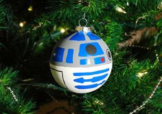 Christmas ornament - Need this for my geek tree Harry Potter Christmas Decorations, Candy Christmas Decorations, Christmas Tree Ornaments, Christmas Crafts, Diy Ornaments, Christmas Ideas, Star Wars Christmas, Little Christmas, Christmas Holidays