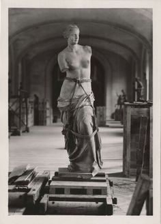 Venus de Milo prepared for transport during the second world war