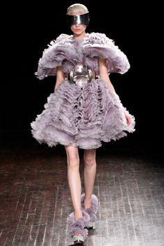 Alexander McQueen Fall 2012 Ready-to-Wear Fashion Show - Kati Nescher (Viva)