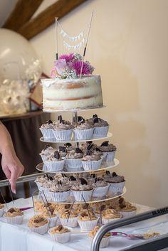 Hochzeitstorte   Hochzeitscupcakes   Vintage Torte http://www.the-inspiring-life.com/2016/12/wir-haben-ja-gesagt.html #hochzeitstorte #vintage #hochzeitscupcakes