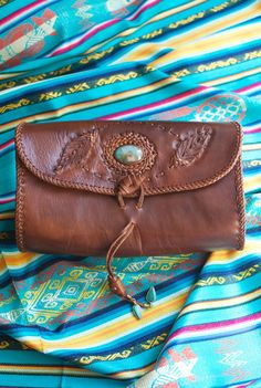 TURQUOISE FEATHER clutch