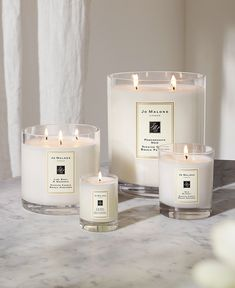 Jo Malone is one of my favorite brands of all times. The candles come in all different sizes and they also sell diffusers, sprays and much more! Home Candles, Luxury Candles, Diy Candles, Scented Candles, Candle Jars, Diptyque Candles, Romantic Candles, Velas Diy, Candle Packaging