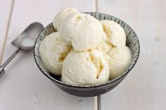 Vanilla Ice Cream Recipes Vanilla Ice Cream Recipes – Discover the Best Two Recipes of All Time Vanilla Ice Cream Recipes. I love vanilla ice cream just like most of us do. Sugar Free Ice Cream, Keto Ice Cream, Ice Cream Maker, Vanilla Ice Cream, Cream Cream, Light Cream, Homemade Vanilla Bean Ice Cream Recipe, Ice Cream Recipes, Flavor Ice