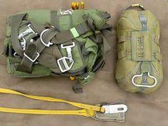 SALA DE DOBLADO BRIGADA DE PARACAIDISTAS MEXICO Military Weapons, Military Life, Airborne Army, Parachute Regiment, Paratrooper, Skydiving, Diorama, Soldiers, Edc