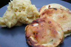 Deftig und lecker: Carolas Mittagessen bestand aus Kartoffelpüree und gebratenen Zucchini im Chili-Teigmantel.