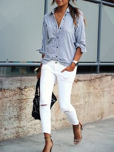 Take a look at 14 stylish spring outfits with white jeans in the photos below and get ideas for your own amazing outfits! White jeans, chambray shirt and brown accessories Amazing Outfits Image source Fashion Mode, Look Fashion, Street Fashion, Fashion Trends, Fashion News, Petite Fashion, Fashion Fall, Ladies Fashion, 40 Year Old Womens Fashion