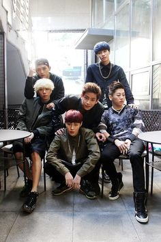 Members Of K-Pop Band HOTSHOT Recovering After Car Accident http://www.kpopstarz.com/articles/149957/20141211/members-of-k-pop-band-hotshot-recovering-after-car-accident.htm