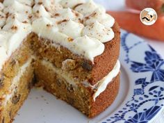 Carrot cake and walnuts, carrot cake, Petitchef recipe Watermelon Pizza, Colorful Drinks, Pineapple Upside Down Cake, Cinnamon Cream Cheeses, Carrot Cake, Cake Cookies, Vanilla Cake, Food Videos, Carrots