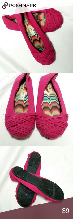 🌟Girls🌟Pink Flats 🌟WHY WAIT UNTIL BLACK FRIDAY? BUY 1 of anything in the closet and Get 1 50% off. DISCOUNT WILL APPLY ON THE LOWEST OFFERED ITEM! 🌟  Girls Pink Flats Shoes Slippers