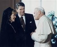 Ronald and Nancy Reagan with the Pope