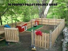 Backyard dog playground made of pallets:Top 20 Brilliant DIY Backyard Projects and Tips for Your Pets (Diy Dog Area) Backyard Projects, Pallet Projects, Backyard Ideas, Craft Projects, Garden Projects, Backyard Dog Area, Dog Playground, Backyard Playground, Playground Ideas