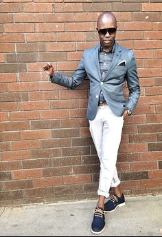 """Mixin dark with the light""                           Cotton Blazer - @HM  Mini Dot Chambray Shirt - @Jcrew  Skinny Leather Belt - @ZaraMen  Linen Trousers - @BrooksBrothers  Pocket Square - @BananaRepublic  Canvas Oxfords - @SperryTopsider  Time Piece - @Timex"