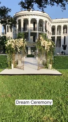 Cascading Wedding Bouquets, Wedding Ceremony Flowers, Wedding Stage, Seating Arrangement Wedding, Wedding Seating, Fall Wedding Centerpieces, Garden Wedding Decorations, Plan My Wedding, Dream Wedding