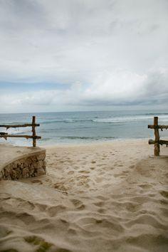Cloudy day at the beach Ocean Beach, Beach Day, Sunset Beach, Beach Bodys, Waves, I Love The Beach, Beach Scenes, Beach Cottages, Beautiful Beaches