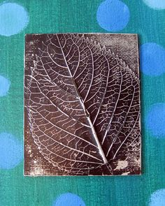 Great list of crafts to do with leaves