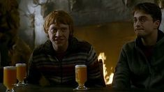 Image result for butterbeer from harry potter movie Ron And Harry, Harry James Potter, Harry Potter Movies, Half Blood, Ron Weasley, Hogwarts, Prince, Crushes, Icons