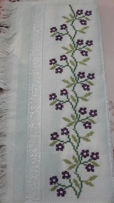 Hand Embroidery Design Patterns, Embroidery Tools, Cross Stitch Embroidery, Flower Patterns, Cross Stitch Borders, Cross Stitch Flowers, Cross Stitch Patterns, Le Point, Blackwork