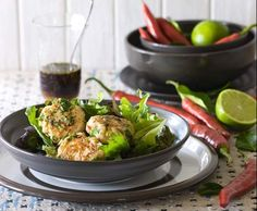 Recipe Salmon fishcakes with red capsicum and basil salad by CSIRO Total Wellbeing Diet - Recipe of category Main dishes - fish