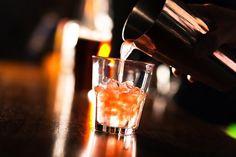 """FIRENZE Stop alla vendita di alcolici o drink alcolici dopo le ore 21. Il sindaco Dario Nardella parlando a Rtv38, ha dichiarato:""""La"""