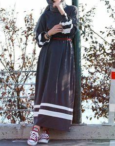 Genç Tesettür Muslim Fashion, Abaya Fashion, Modest Fashion, Fashion Outfits, Casual Hijab Outfit, Hijab Chic, Modest Dresses, Modest Outfits, Hijab Mode