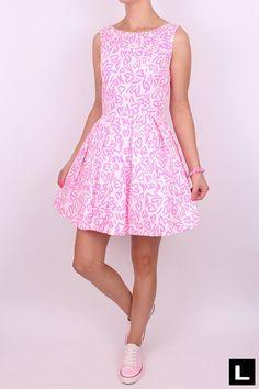 Štýlové dámske šaty Dresses, Fashion, Vestidos, Moda, Fashion Styles, Dress, Fashion Illustrations, Gown, Outfits