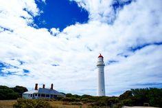 #lorne #lighthouse @ #greatoceanroad  #australien #australia #reisen #travel #ocean #meer #lookout #reiselust #yoyomaus #diebuechereule #blogger #bloggen #blogspot #urlaubstracker #einmalumdiewelt #aroundtheworld #reisefieber #landschaft #landscape #water #wasser #wolken #clouds #splitpointlighthouse #wedriveaustralia by yoyomaus