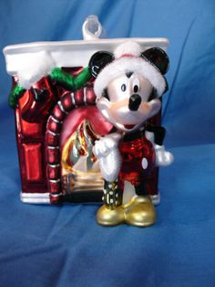 Mickey-Mouse-at-Fireplace-Blown-Glass-Christmas-Ornament-Disney-Figurine