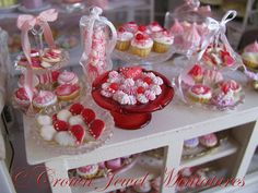 1:12 Valentine's Day Mergingue & Candy by CrownJewelMiniatures