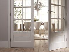 Prachtige dubbele binnendeuren met glas, zodat de ruimtelijkheid behouden blijft.