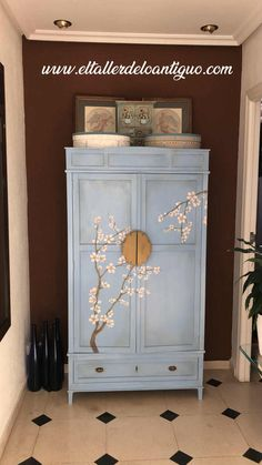 Hand Painted Furniture, Deco Furniture, Recycled Furniture, Colorful Furniture, Paint Furniture, Handmade Furniture, Furniture Makeover, Diy Dorm Decor, Dorm Decorations