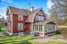 Interior Design For Living Room Red Cottage, Cottage Homes, Cute House, My House, Beautiful Buildings, Beautiful Homes, Sweden House, Red Houses, House Siding