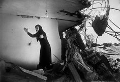 The Palestinian camp of Sabra after the massacre by Christian militia, Lebanon 1982 by Don McCullin. British Journal Of Photography, War Photography, Documentary Photography, Symmetry Photography, Classic Photography, Lebanese Civil War, Famous Pictures, Tate Britain, Photo Report