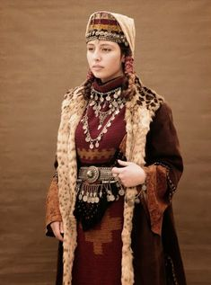 COSTUME PLANET: Taraz : Armenian Traditional Clothing